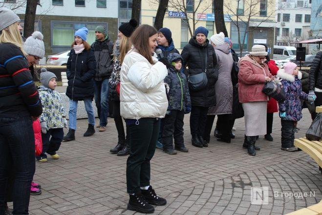 Чемпионы по поеданию ребрышек съели порцию за три минуты в Чернопрудском сквере - фото 15