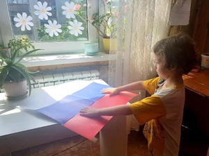 Нижегородцев просят вывешивать за окно флаги в День России