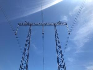 Энергетики «Россетей» отремонтировали 841 км линий электропередачи с начала года