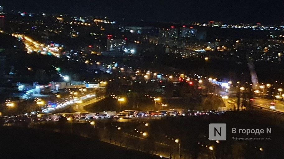 Человек погиб в ДТП на Мызинском мосту в Нижнем Новгороде 19 апреля - фото 2