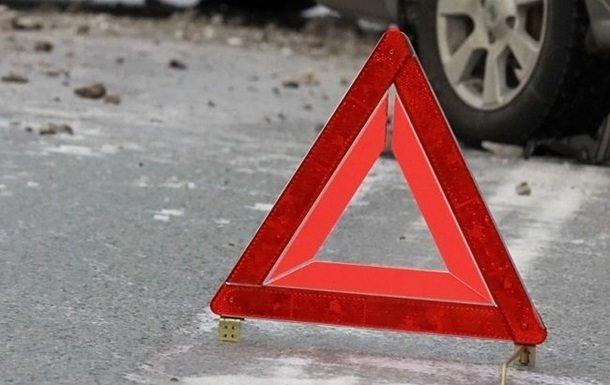 Три человека пострадали в столкновении иномарок в Московском районе