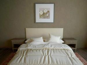 Почему в отелях используют белое постельное белье, а цветное – нет