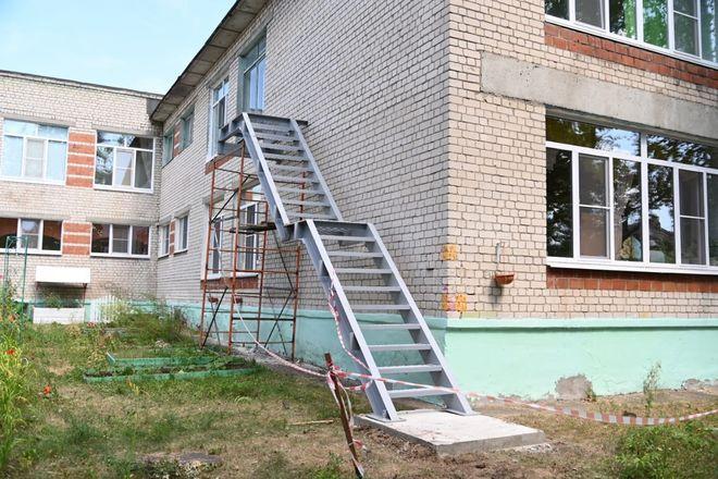 Ремонт в школах и детсадах Дзержинска оценил глава города - фото 4