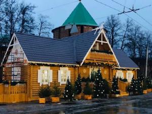 Дом Деда Мороза на площади Минина и Пожарского смастерили нижегородские заключенные