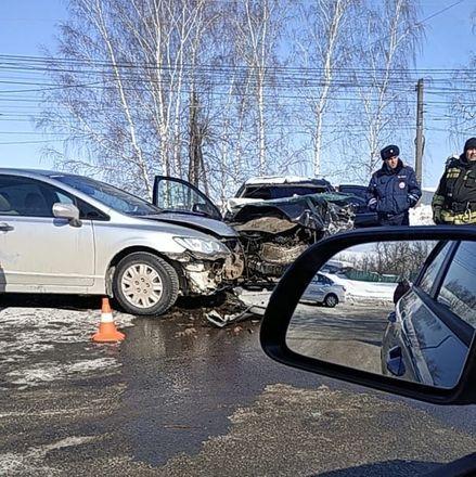 Человек погиб в массовом ДТП в Автозаводском районе - фото 2