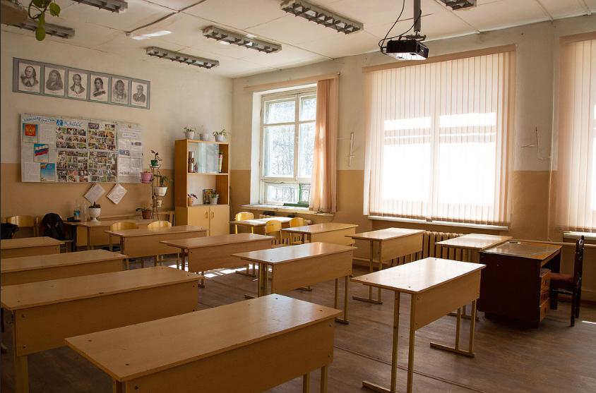 В какую погоду ребенок имеет право не ходить в школу - фото 1