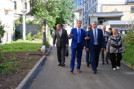 Сергей Белов оценил работы по благоустройству дворов Нижегородского района (ФОТО)