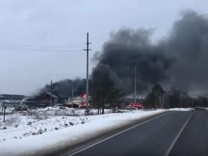 Ангар площадью 500 квадратных метров сгорел в Дзержинске