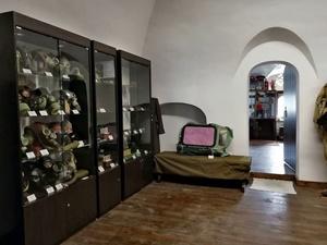 В Домике Петра после длительной реконструкции здания открылась выставка о Холодной войне