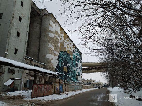 Технику для демонтажа элеватора завозят под метромост в Нижнем Новгороде - фото 5