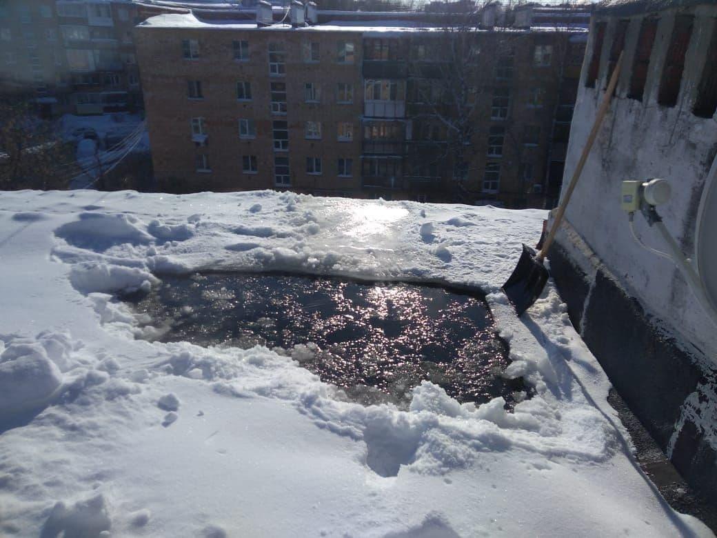 ДУК Нижегородской района назначил экспертизу для проведения капремонта протекающей крыши на Добролюбова - фото 1
