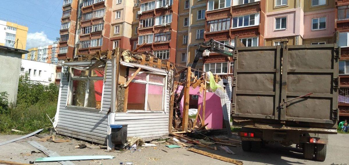 Торговавший слабоалкогольными напитками на разлив киоск снесли в Канавинском районе - фото 1