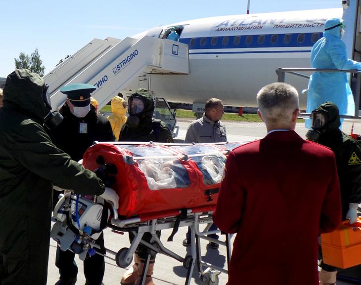 В аэропорту «Стригино» учились эвакуировать пассажира, пораженного инфекцией - фото 3