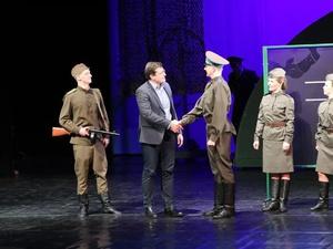 Глеб Никитин появился на сцене в мюзикле в нижегородском ТЮЗе