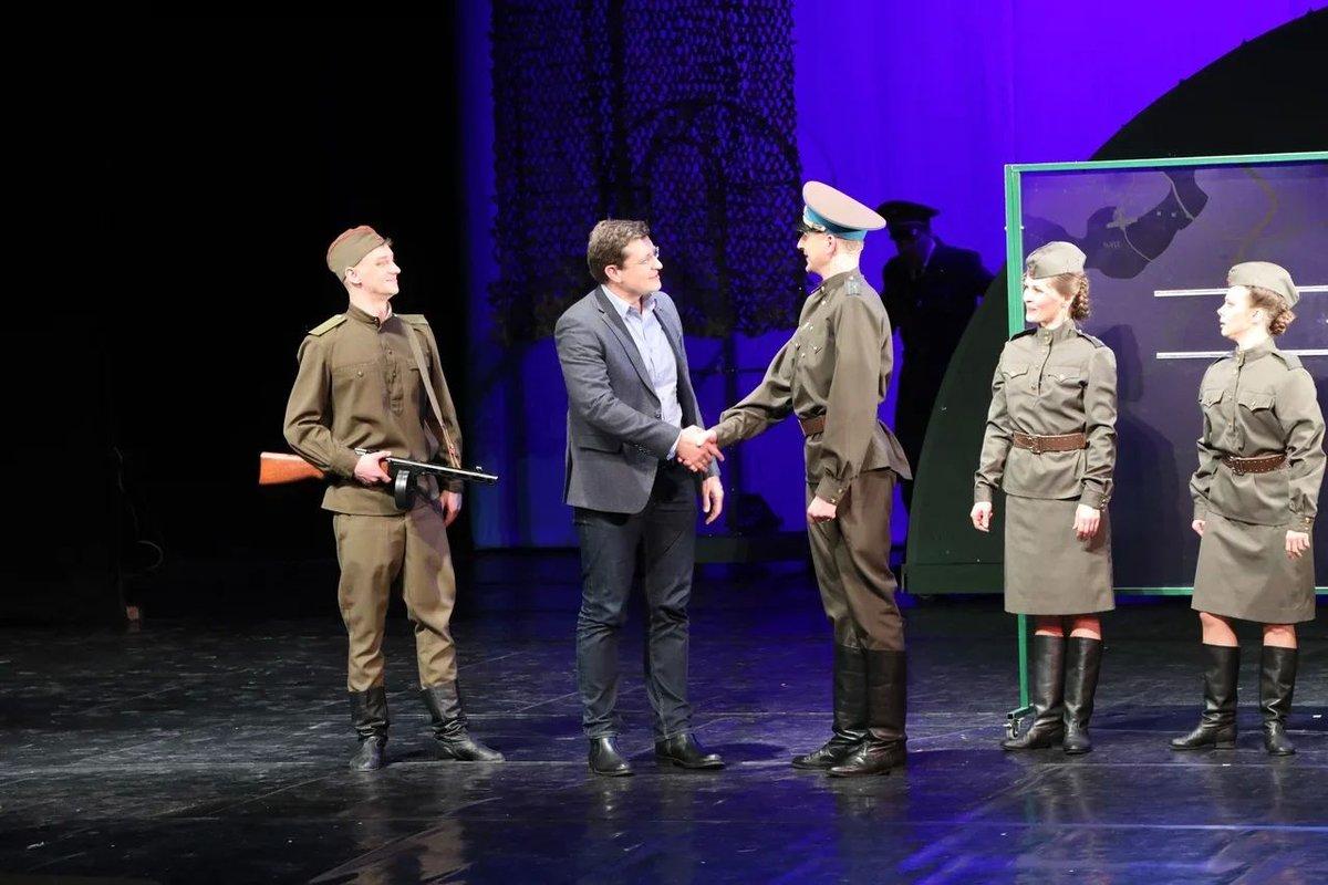 Глеб Никитин появился на сцене в мюзикле в нижегородском ТЮЗе - фото 1