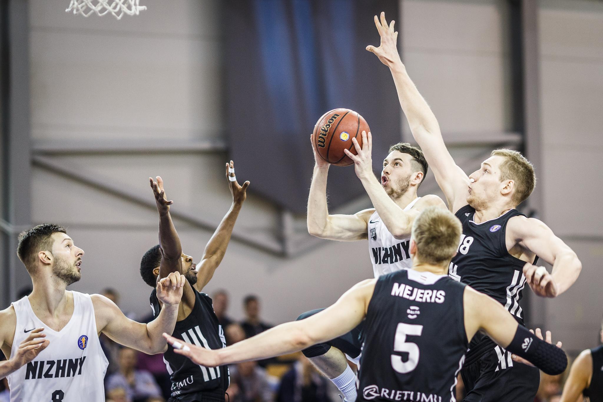 Баскетбольный клуб «Нижний Новгород» проиграл рижскому ВЭФу