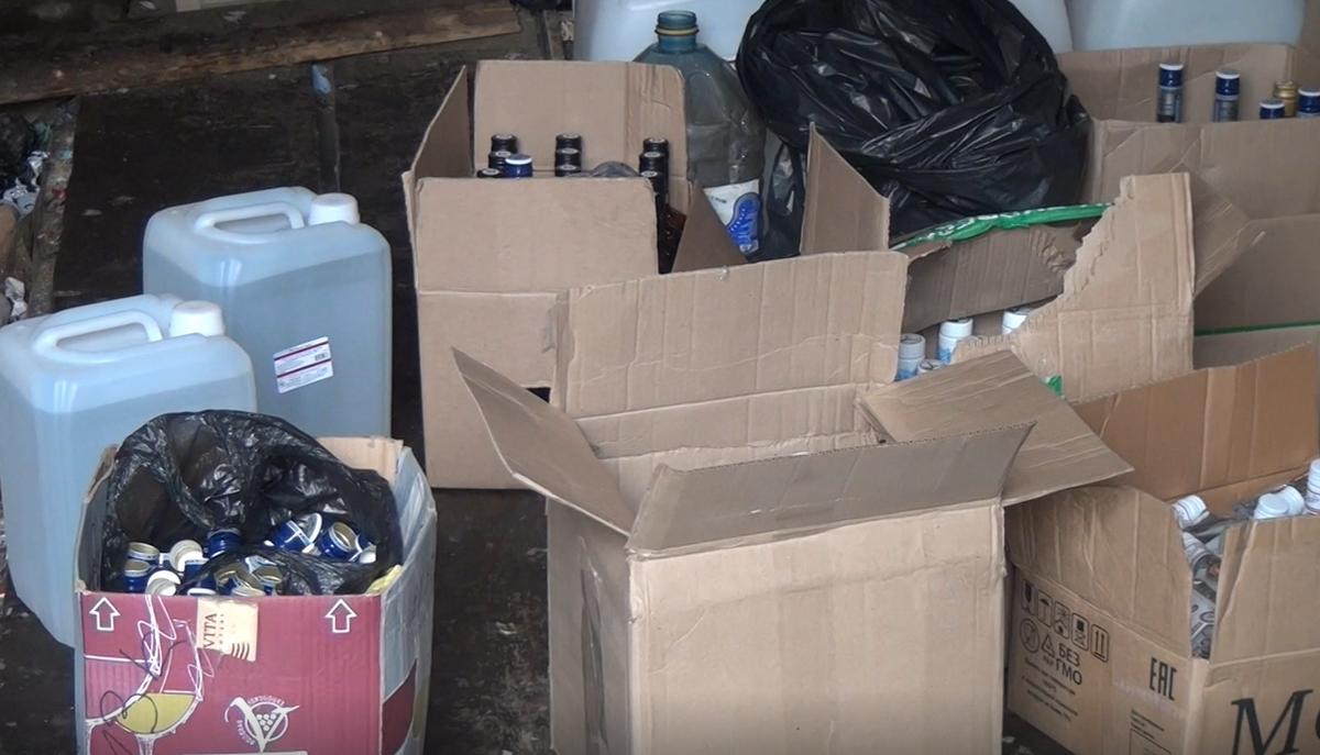 Нелегальный алкоголь поставлял подпольный бутлегер в бар на проспекте Ильича - фото 2